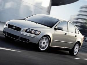 Volvo_S40_Sedan_2004